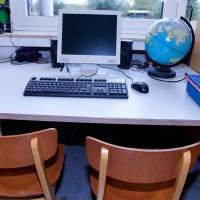 Jede Klasse verfügt über einen PC-Arbeitsplatz
